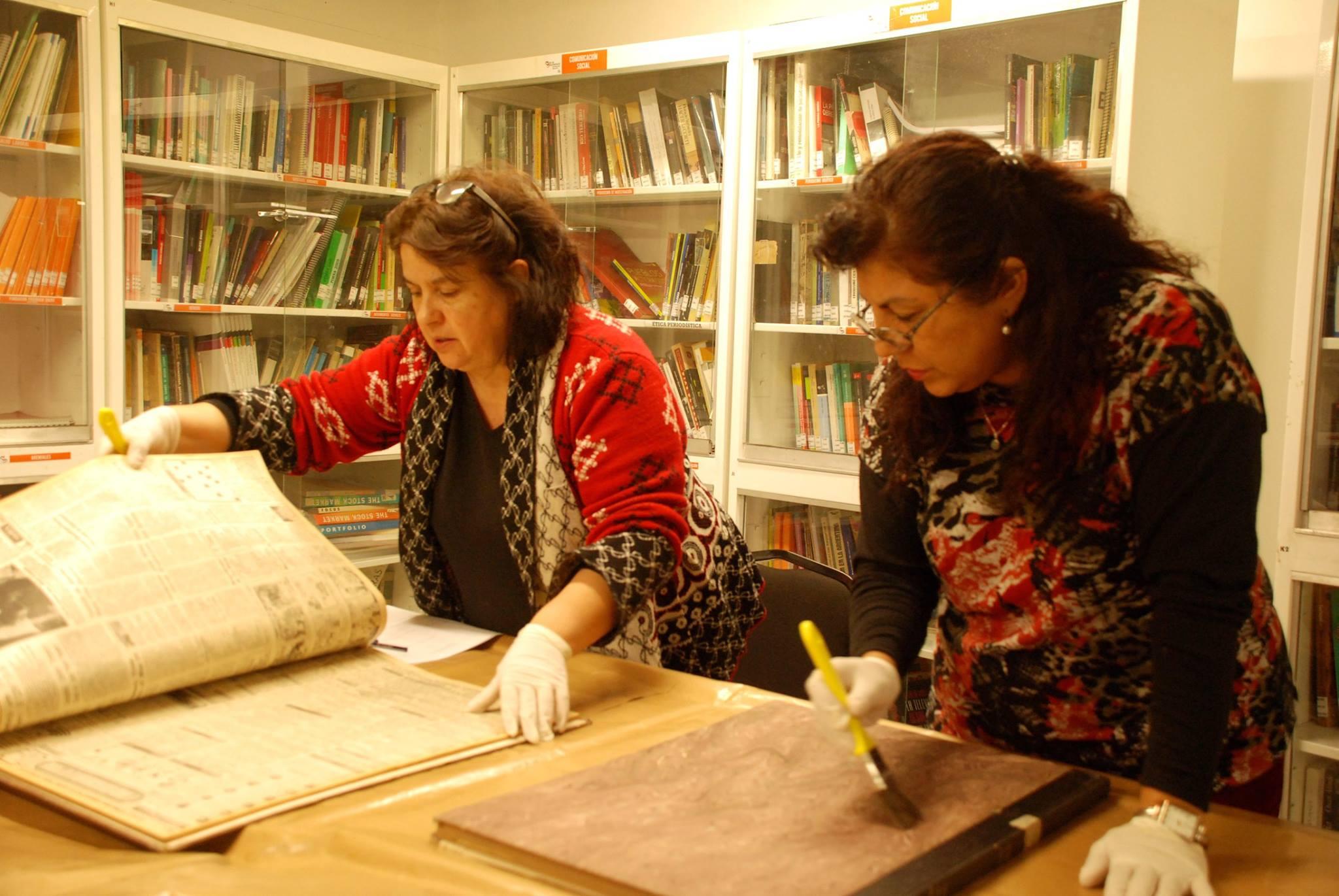El Centro de Documentación organiza jornadas para recuperar y restaurar el archivo de Diario Córdoba ¡Sumate!